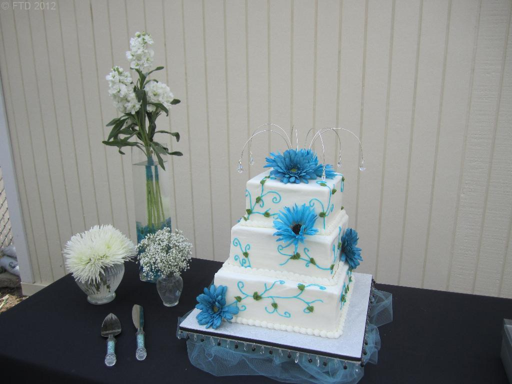 Floral Sprays For Wedding Cakes